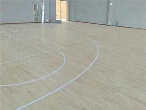 湖北体育篮球馆实木运动木地板选购要谨慎