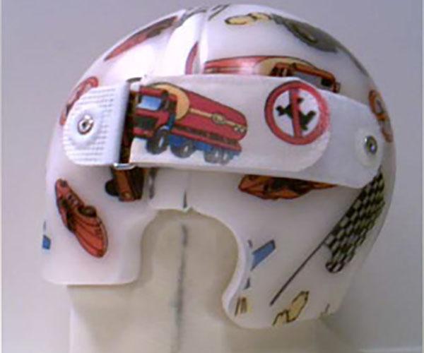一个月婴儿睡觉时间_成都矫形头盔定制-宇航博士