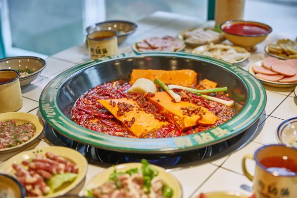老鹰茶火锅领潮者 有拈头成都市井火锅开店迎来火热市场