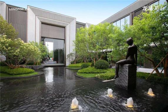 龙湖・原府引领中国地产行业的发