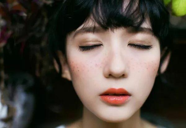御研堂祛斑小贴士换季祛斑护肤小窍门教你美白祛斑的7个小偏方